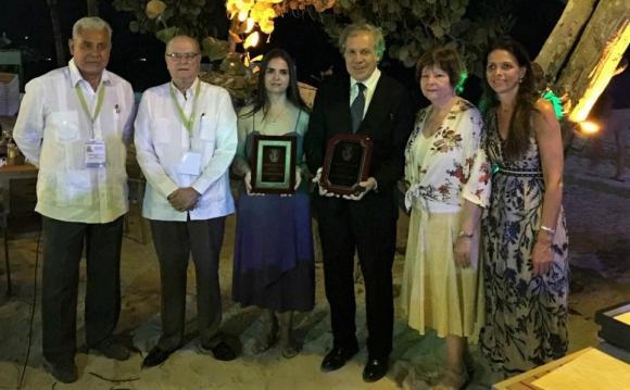 Almagro recibió el prestigioso galardón. Foto: Gentileza Cervieri Monsuárez & Asociados