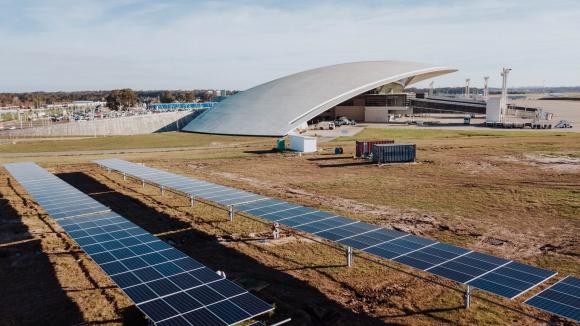 Solar. Este año culminará la primera fase de la planta que generará 0,7 MW.