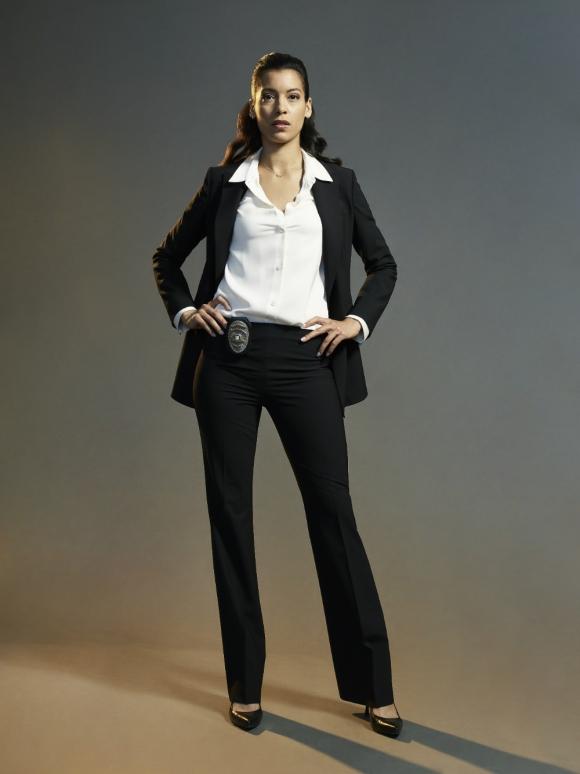 Stephanie Sigman como la Capitana Cortez en este reboot de la serie. Foto: Difusión