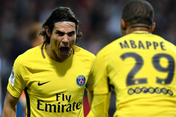 El grito de gol de PSG de Edinson Cavani frente a Mbappé. Foto: AFP