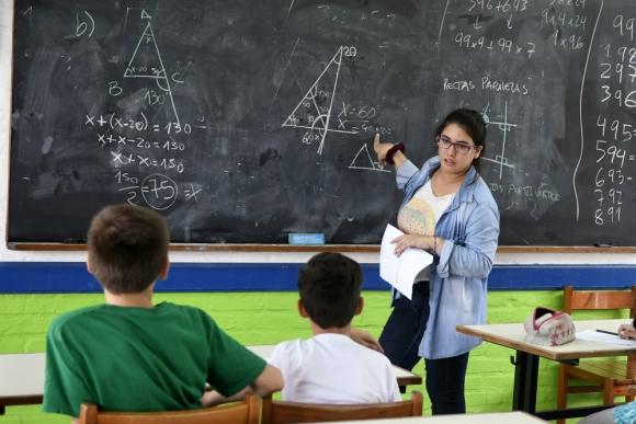 Matemática es la asignatura que demanda más apoyo particular. Foto: F. Ponzetto