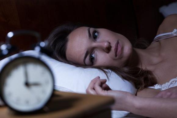 La falta de sueño intefiere con la capacidad de las neuronas para codificar información. Foto: AFP