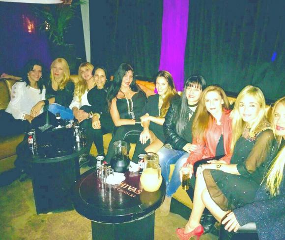 Ro Almeda y sus amigas.