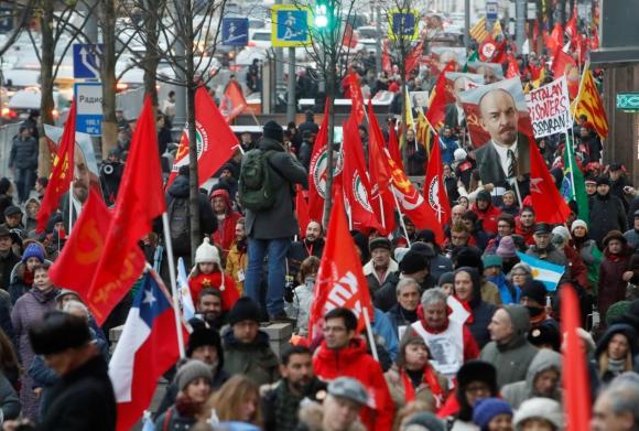 Festejos por el centenario de la Revolución de Octubre en Moscú. Foto: Reuters..