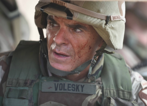 Michael Kelly como el Teniente Coronel Gary Volesky en la serie de Nat Geo