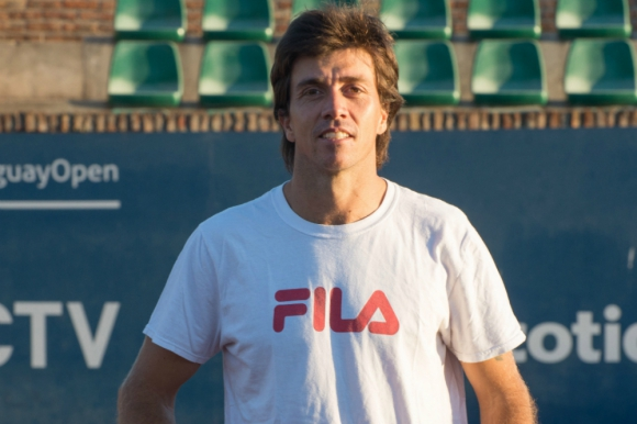 """""""Son muy pocos los challengers con las instalaciones y el buen ambiente del Uruguay Open"""", dijo Carlos Berlocq. Foto: Gabriela Oxilia"""