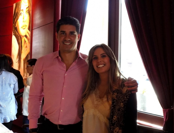 Javier Azcurra junto a Cami Rajchman en Rara Avis.