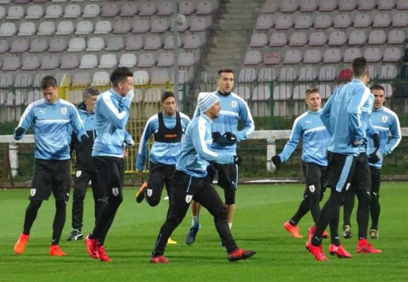 La selección entrenando en el estadio de Polonia Warszawa