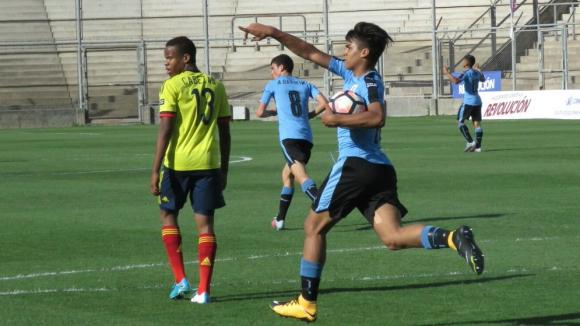Matías Arezo festejando el gol de Uruguay en el Sudamericano sub 15. Foto: @Uruguay