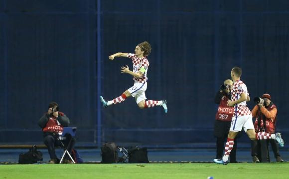 El festejo de gol de Luka Modric para Croacia. Foto: Reuters