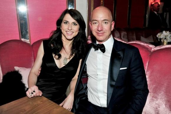Jeff y Mackenzie Bezos se casaron hace más de 24 años. Foto: AFP
