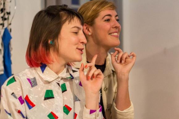 Paola Larrama y Karen Halty, protagonistas de la obra