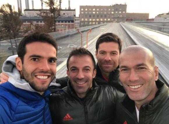 Kaká, Alessandro Del Piero, Xabi Alonso y Zidane en el lanzamiento de Adidas. Foto: @Kaka