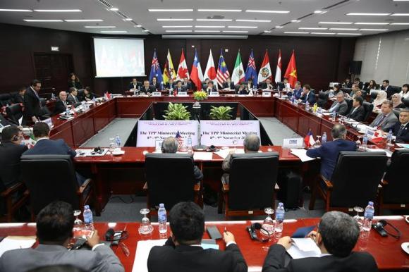 Ministros y delegados en la reunión clausurada este sábado. Foto: EFE