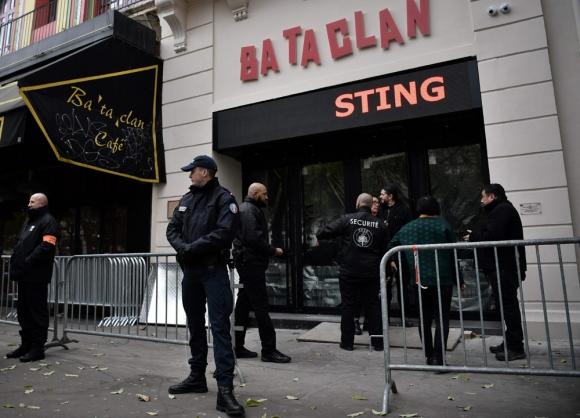 El Bataclan hace un año en su reapertura con un show del británico Sting. Foto: AFP