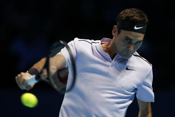 Roger Federer empezó la búsqueda del Masters con un triunfo