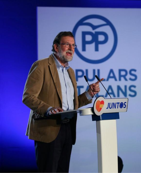 Rajoy aboga en Barcelona por recuperar la Cataluña