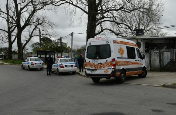La Policía detuvo a tres sospechosos. Foto: Marcelo Bonjour