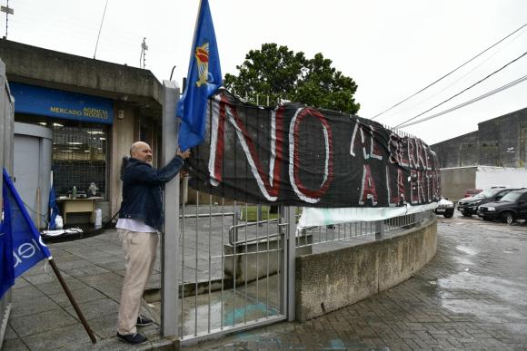 El sector Banca Oficial de AEBU definió ocupaciones en protesta  por el cierre de las sucursales en Montevideo y el interior. Foto: F. Ponzetto