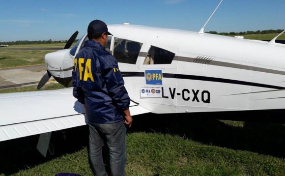 La aeronave incautada por la Policía Federal Argentina. Foto: @PatoBullrich