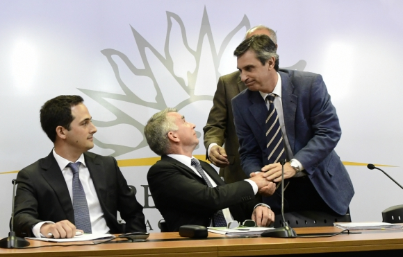 El martes 8 de noviembre se firmó el contrato de inversión en la Torre Ejecutiva. Foto: M. Bonjour