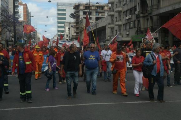 Movilización del Pit-Cnt por 18 de julio. Foto: Francisco Flores.