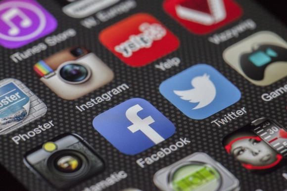 Aplicaciones en el celular. Foto: Pixabay