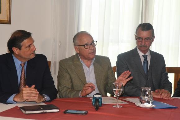 Los retirados, con Figoli a la cabeza, piden que no se vote el impuesto. Foto: A. Colmegna