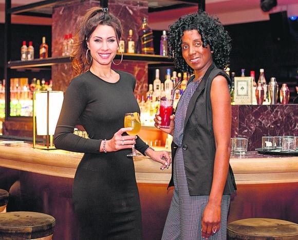 Giannina Silva y Regina Esnal Baker