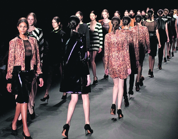 La moda evoluciona y cambia en cada temporada. Foto. AFP