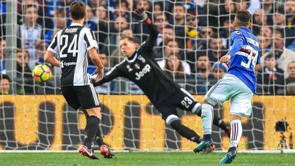 La definición de Lucas Torreira ante la Juventus. Foto: EFE
