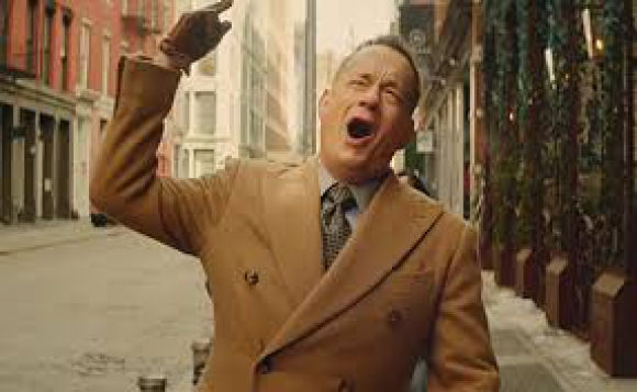 "Tom Hanks en el video de la canción ""I really Like You"" de Carly Rae Jepsen"