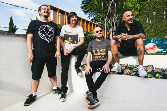 Lourenço, Mauro, Pablo y Marcelo D2. Difusión