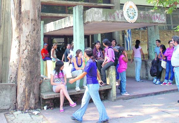 Liceo 19: tendrá 280 alumnos en primer año, pero menos clases. Foto: Archivo