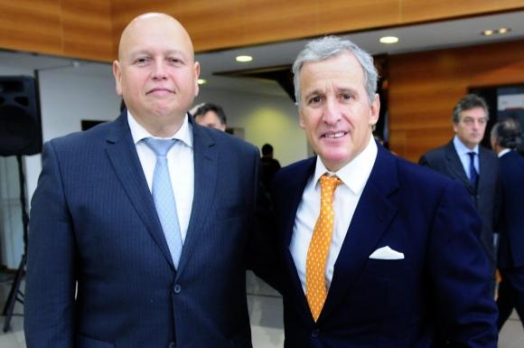 José Luis Rodríguez, presidente de Nacional, y Juan Pedro Damiani, presidente de Peñarol. Foto: Archivo El País
