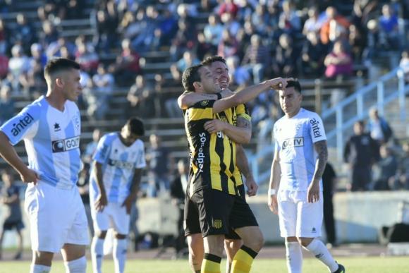 Peñarol se quedó con el Clausura en el Tróccoli. Foto: Ariel Colmegna / El País.
