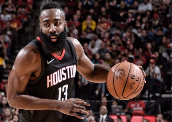 James Harden sigue siendo figura determinante de Houston