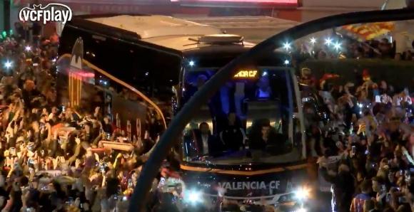 Recibimiento del Valencia ante Barcelona