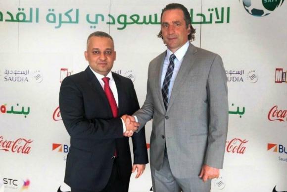 Juan Antonio Pizzi firmó como seleccionador de Arabia Saudita