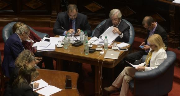 Cinco ministros del gobierno concurrieron al Parlamento por UPM. Foto: Francisco Flores