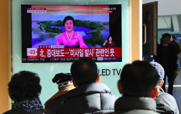 Se anunció por televisión el lanzamiento del misil. Foto: AFP