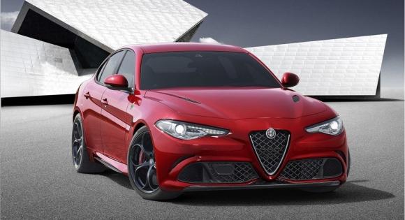 El Alfa Romeo Giulia se distinguió como el mejor automóvil que circulará por las calles el próximo año. Foto: EFE