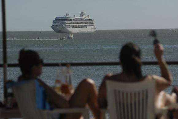 En la última temporada, cruceristas gastaron en el país más de US$ 7 millones. Foto: R. Figueredo