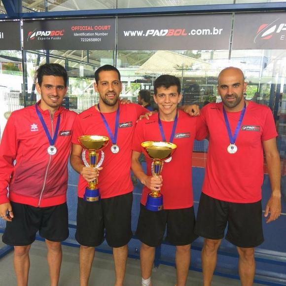 Los uruguayos: Sanromán, Sánchez, Bueno y Roberti. Foto: Padbol Brasil
