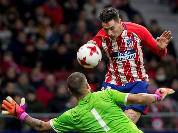 "El cabezazo de ""Josema"" Giménez para el gol del Atlético. Foto: EFE"