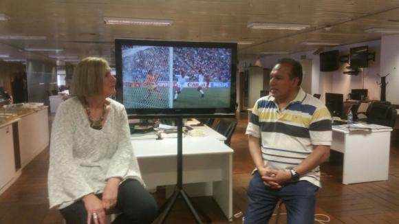 Ruben Sosa, ex mundialista con Uruguay, habla de lo que será el Mundial desde la redacción de El País.