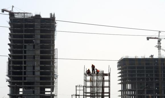 Los ingresos crecen pero se mantiene la desigualdad dentro del mercado laboral. Foto: AFP