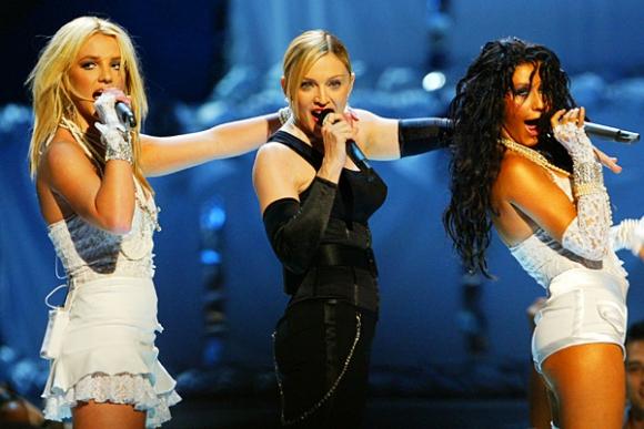 Madonna, Britney Spears y Christina Aguilera en los Premios MTV de 2003