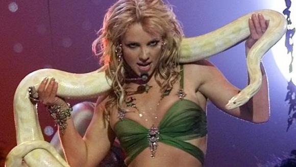 Britney en los Premios MTV de 2001