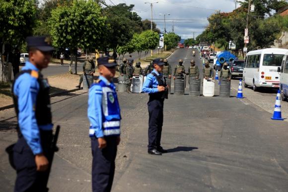 El presidente Hernández impuso un toque de queda tras las protestas. Foto: Reuters.